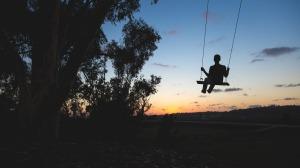 swing-918942_1280